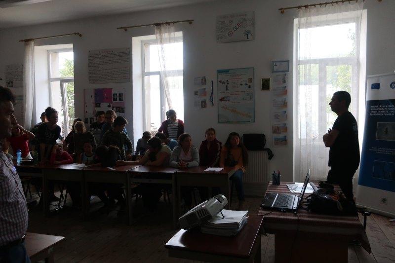 Întâlnire de conștientizare cu elevii din com. Măgești, jud. Bihor